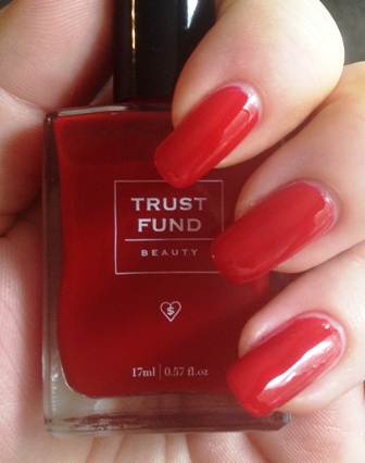Trust Fund Beauty in I Love My #Selfie. Photo source.