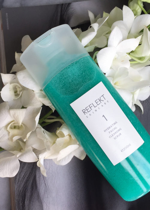 REFLEKT 1 Hydrating Facial Cleansing Scrub Review