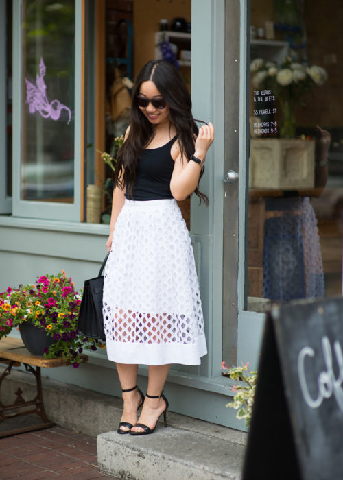 Brunch :: Feminine eyelet skirt