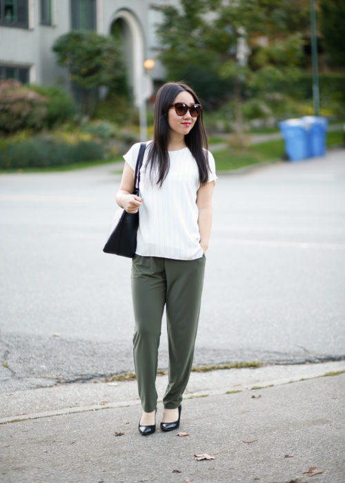 Comfortable Office Style :: Pleated Trousers + Relaxed Top + Pumps You Can Actually Walk In