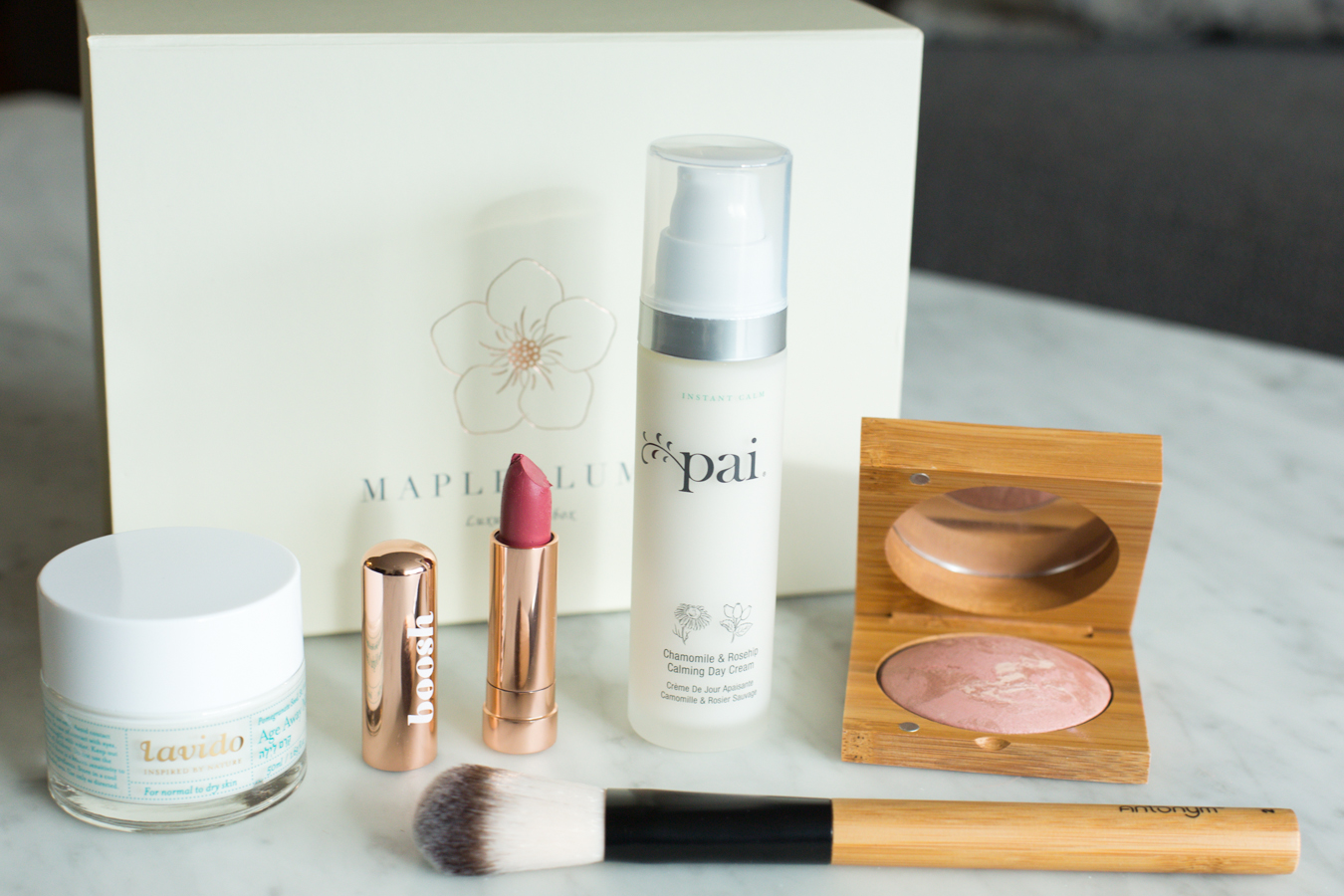 Mapleblume February box contents
