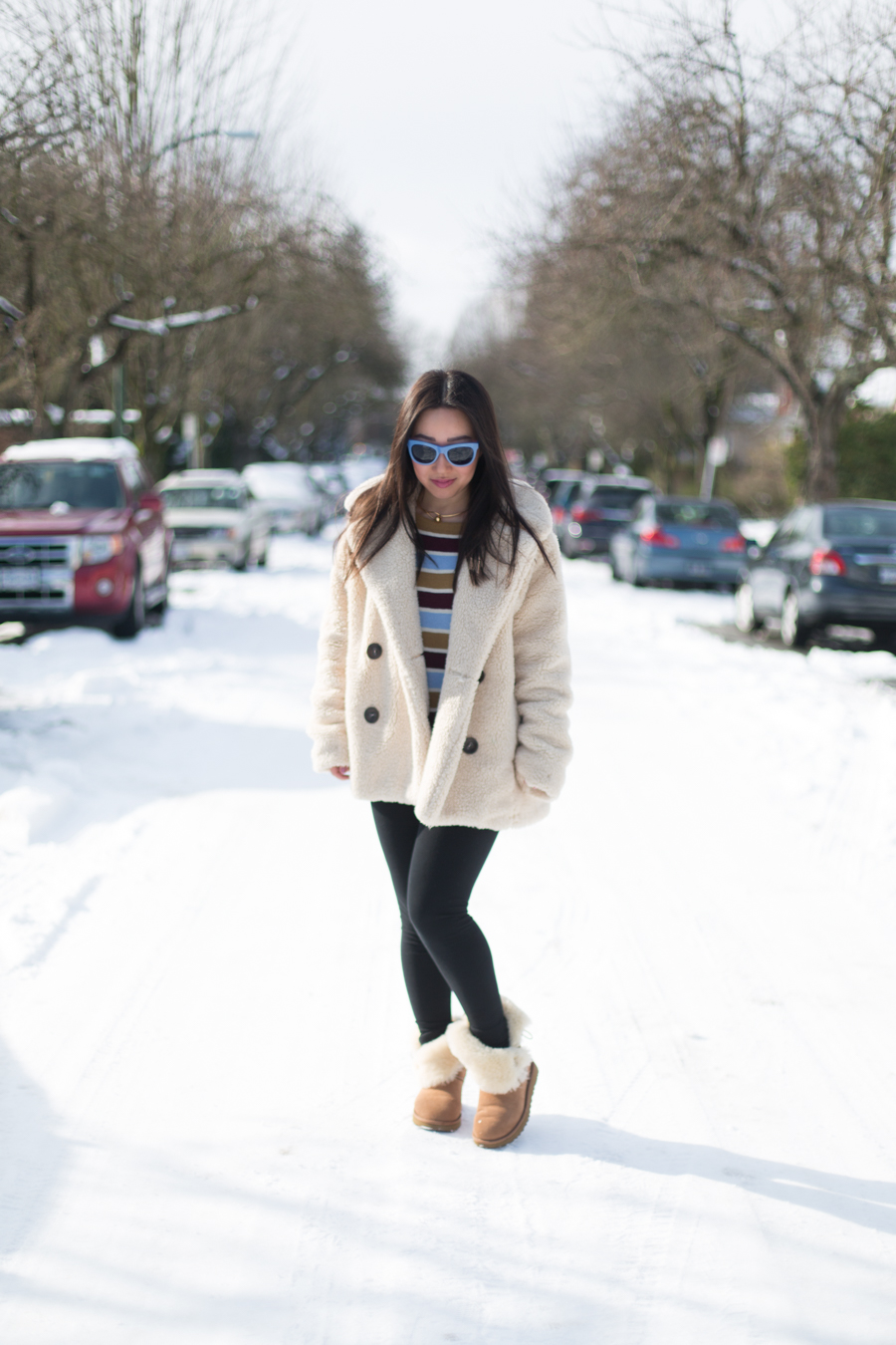 0beaaa23af9f Coziest outfit ever  Free People Teddy Coat   Ugg Bailey Button II boots